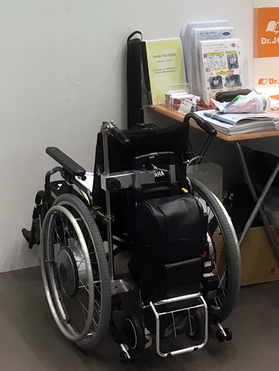 電動車椅子用酸素ボンベホルダー