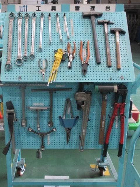 工具管理台1